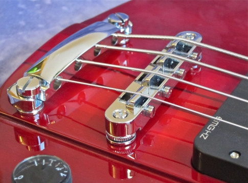 Ultra Bass – bridge and tailpiece