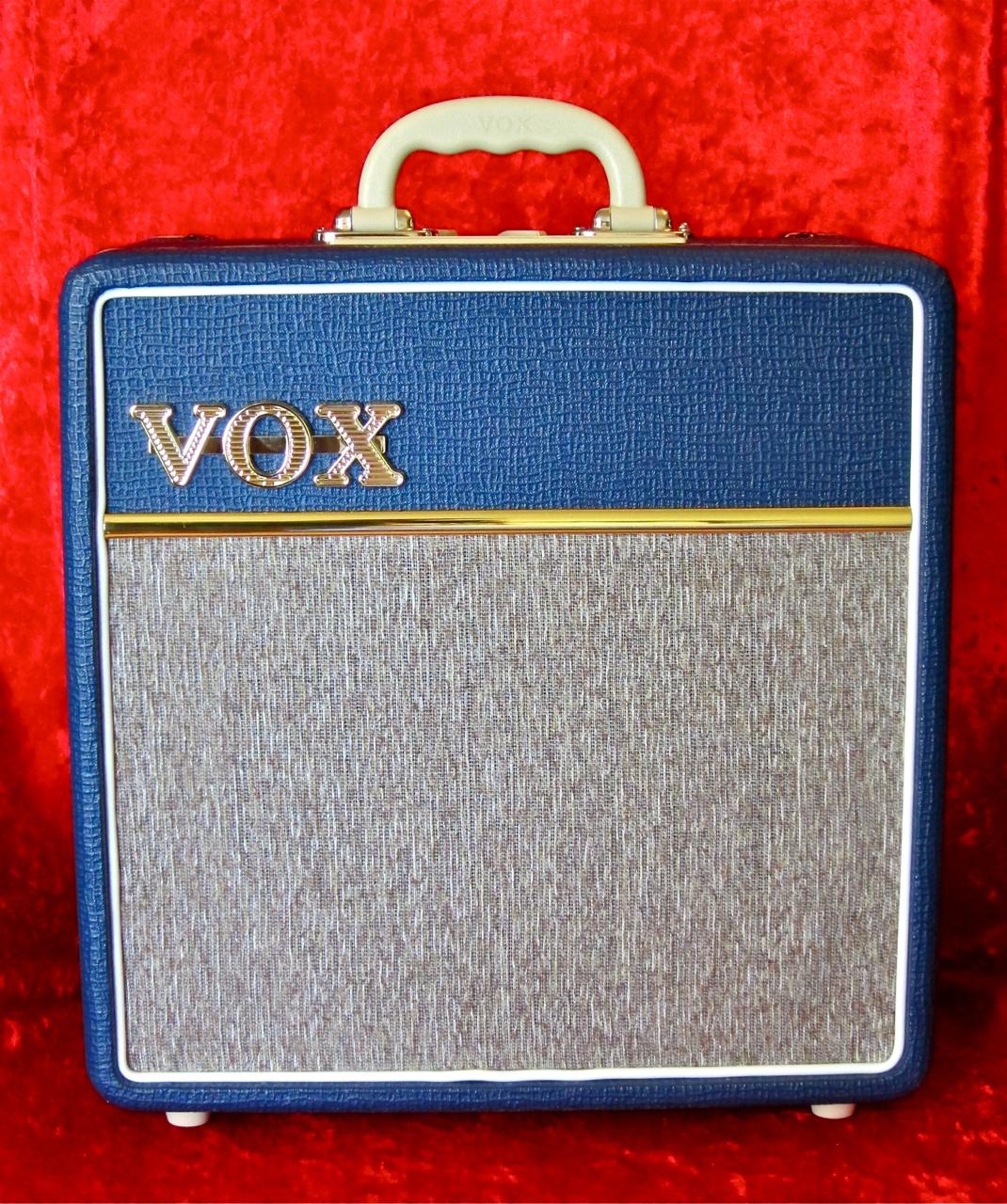 review vox ac4 blue finland 39 s premier guitar and bass blog. Black Bedroom Furniture Sets. Home Design Ideas