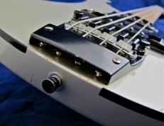 Rickenbacker 4003 – body binding + bridge screws