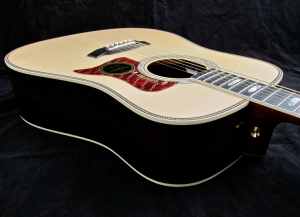 Tanglewood TW1000HSRE – body angle