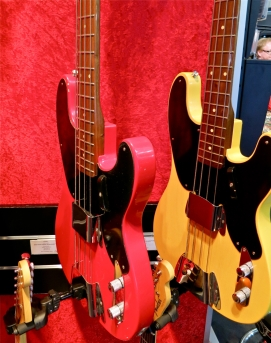 Fender Custom Shop – all walnut necks