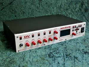 DV Mark Multiamp – full angle left