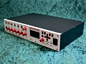 DV Mark Multiamp – full angle right