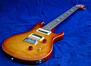 PRS SE Custom 24-7 – beauty shot