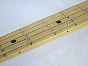 Sterling SUB Ray5 – fretboard