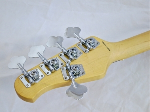 Sterling SUB Ray5 – tuners