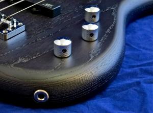 Warwick Corvette Standard Ash – controls