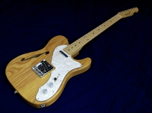 Tokai ATE-33N Thinline – beauty shot 1