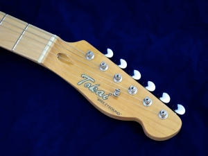 Tokai ATE-33N Thinline – headstock