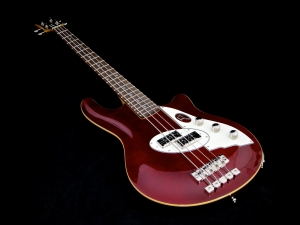 Duesenberg D-Bass – beauty shot 1