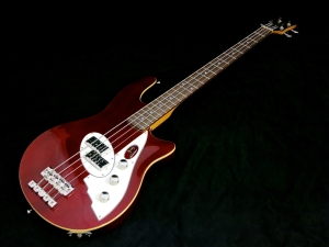 Duesenberg D-Bass – beauty shot 2