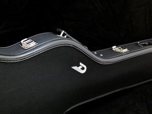 Duesenberg D-Bass – case