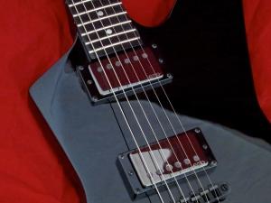 LTD Hetfield Snakebyte – EMG pickups