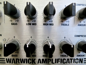 Warwick LWA 1000 – front panel EQs