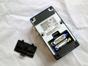 Zoom MS-100BT – battery compartment