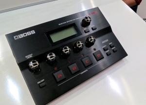 Boss GT-001 guitar multieffect