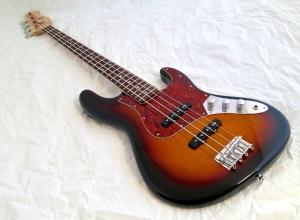Amfisound Raudus Bass – beauty shot 2