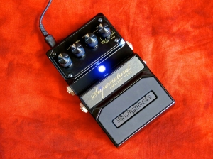 Digitech Hardwire Supernatural – angled w LED