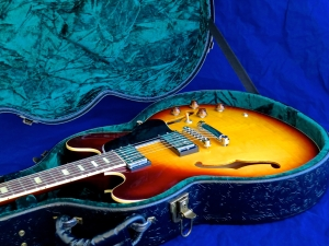 Tokai ES-162 – and case