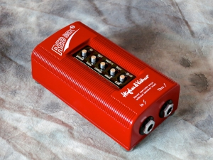 Hughes & Kettner Red Box 5 – angle left