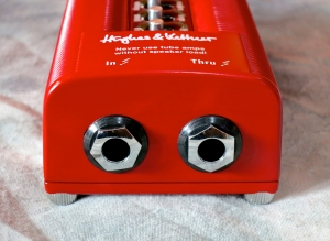 Hughes & Kettner Red Box 5 – speaker jacks