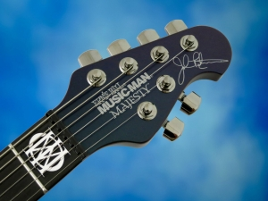 Music Man Majesty – headstock