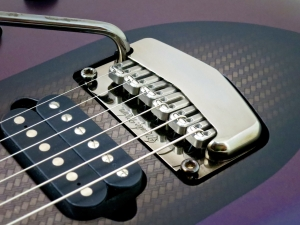 Music Man Majesty – vibrato bridge