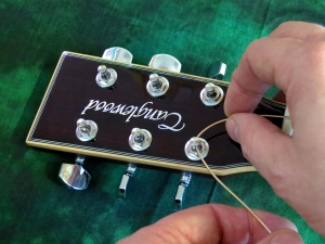 String change steel string – stringing 1