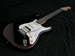 Fender Am Std Stratocaster HSS Shawbucker – beauty shot 1