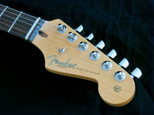 Fender Am Std Stratocaster HSS Shawbucker – headstock