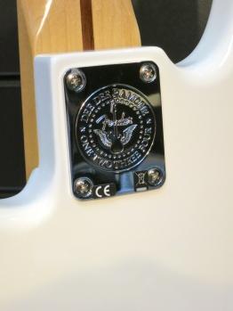 Fuzz 2015 – Dee Dee Ramone Signature Precision Bass neck plate