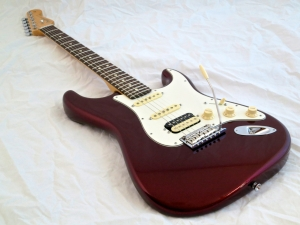 Fender Am Std Stratocaster HSS Shawbucker – beauty shot 2