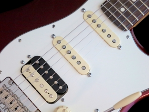 Fender Am Std Stratocaster HSS Shawbucker – pickups