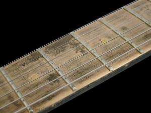 Ogre Magnox-M1 – B – fretboard