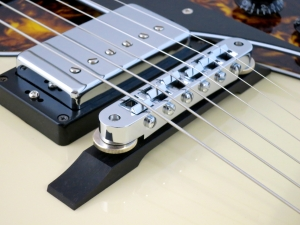 Rautia Guitars Dual Tone Style – bridge