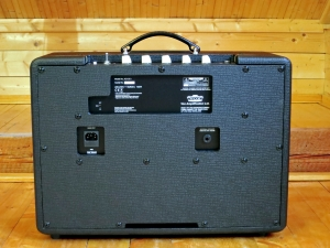 Vox AC10C1 – full back