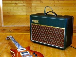 Vox AC10C1 – with guitar 2