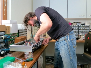 Bluetone Crossroad – mounting control pots 3