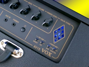 Vox AV15 – tube and switches LRG