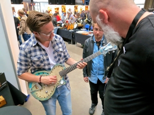 Fuzz 2016 – Fridget Custom Guitars