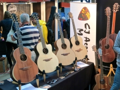 Fuzz 2016 – Lowden Guitars 2
