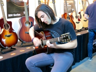 Fuzz 2016 – Taylor Guitars