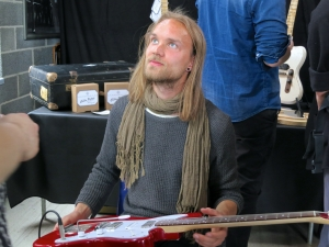 Fuzz 2016 – visitor at Viitasaari Guitars