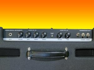 fender-bassbreaker-18_30-control-panel