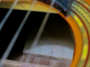 classical-guitars-spanish-heel