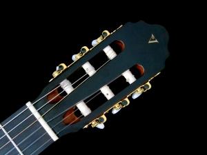 valencia-cg50-headstock