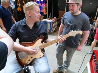 Visitor at Viitasaari Guitars (FIN) 3