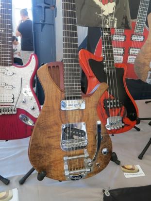 Peter Naglitsch Guitars detail – Fuzz 2019