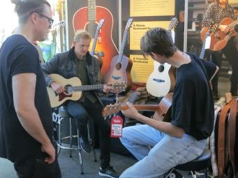 Taylor Guitars – Fuzz 2019