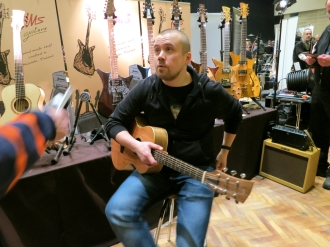 Tonefest 2020 – visitor at HMS Guitars